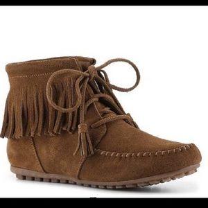 Minnetonka Liv Lace Up Ankle Boot